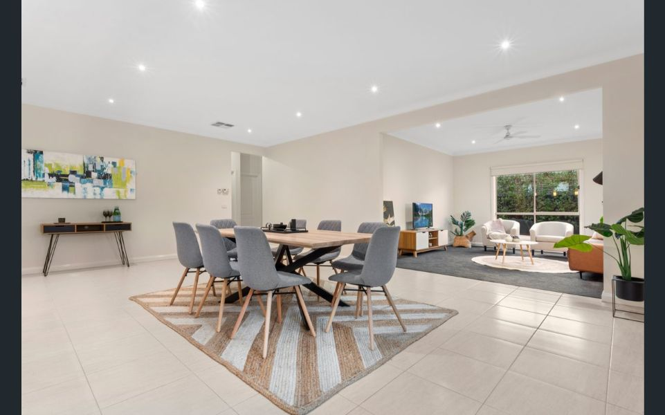 4 stanhope crescent south morang Dining