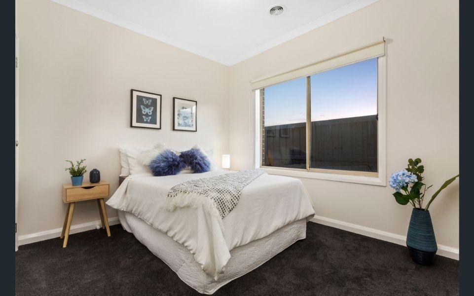 4 stanhope crescent south morang Bedroom wide